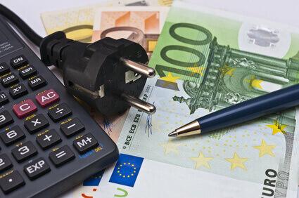 Taschenrechner Stromstecker Geld